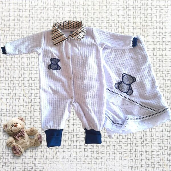 saida de maternidade branco e azul marinho